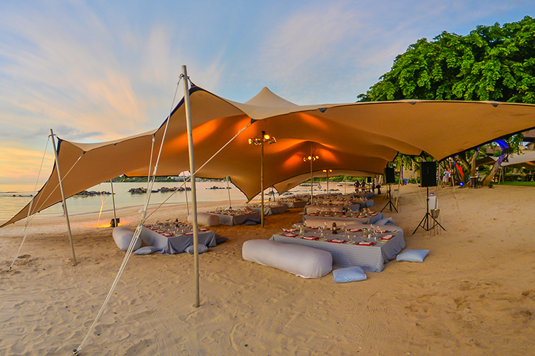 Nomadik Stretch Tent buy or rent for occasions on the beach
